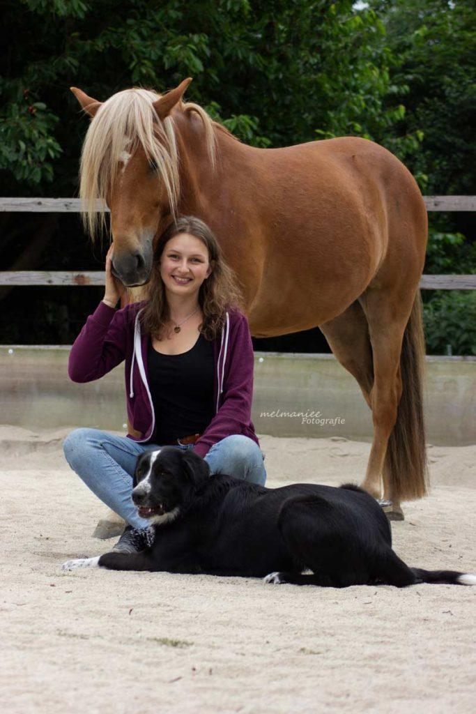 Mein Pferd Falko und meine Hündin Leni